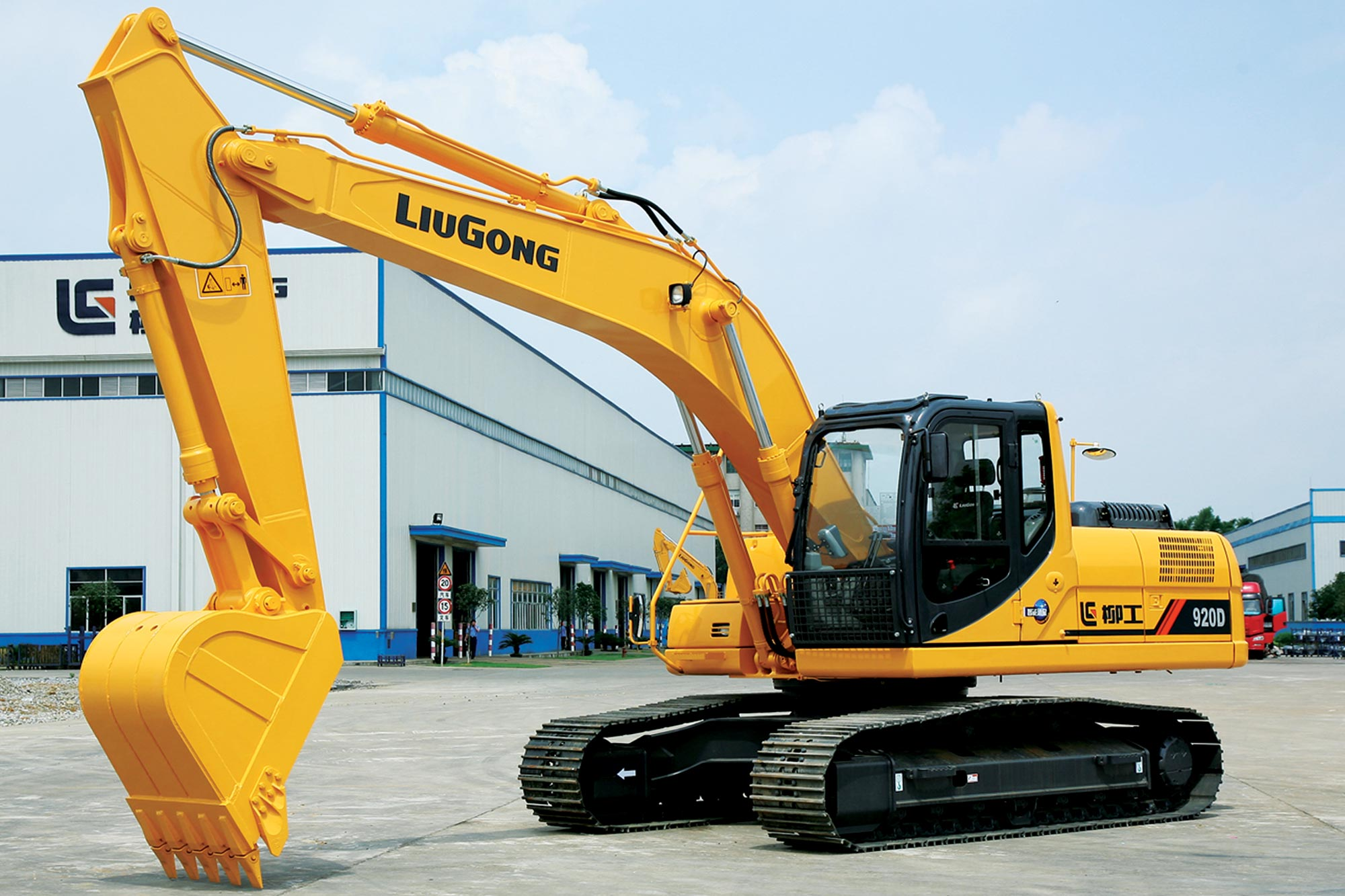 Wheel loader and hydraulic excavators from Liugong