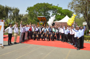 CASE India delivers 10,000th Vibratory Compactor for the Indian market
