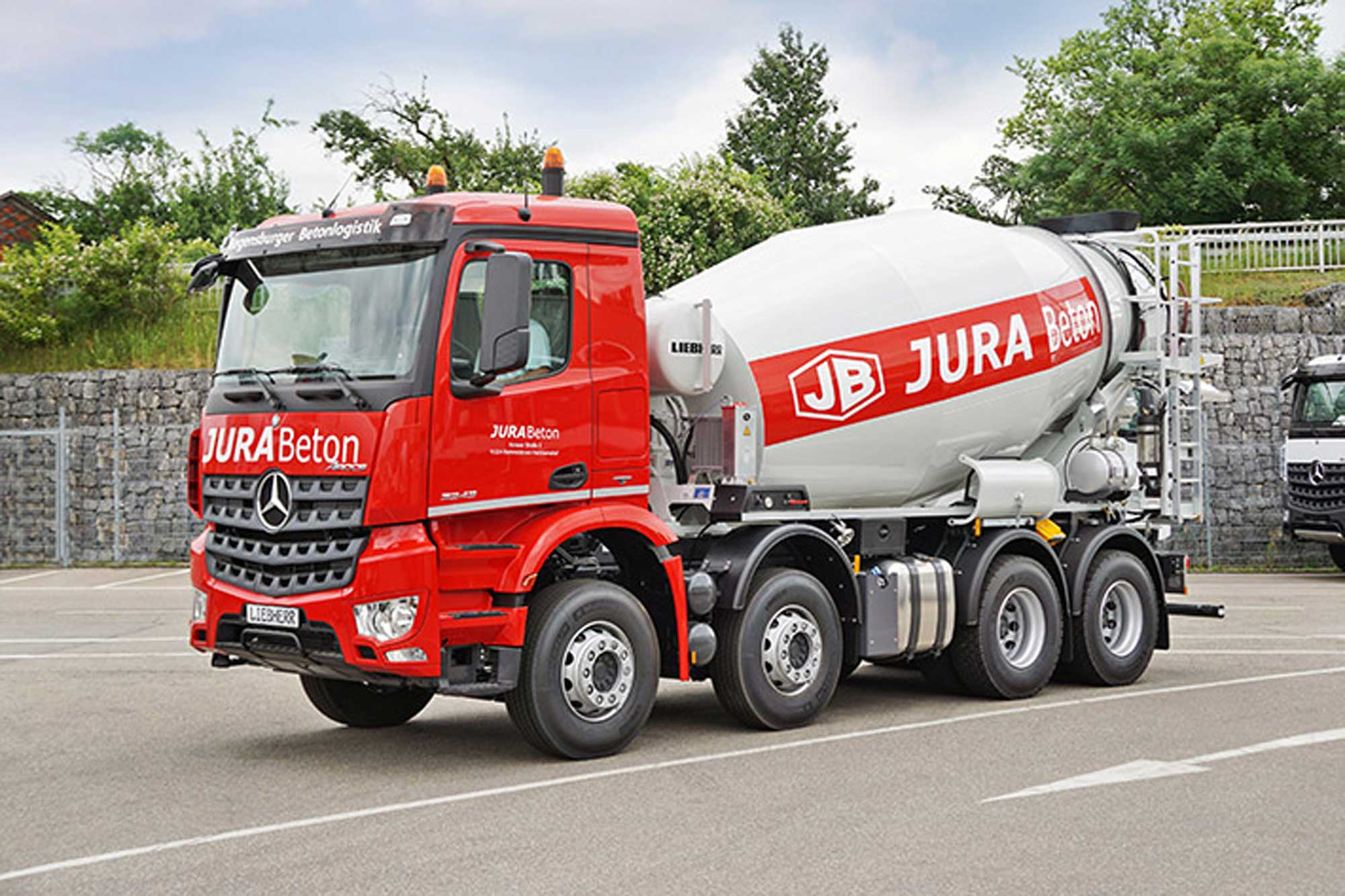 Liebherr starts delivering new truck mixer generation 05