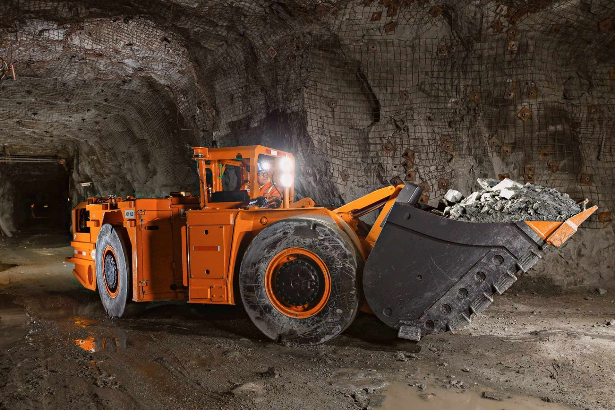 How to select equipment for underground mining