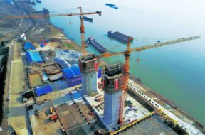 Potain tower cranes construct the world's second longest span suspension bridge in China
